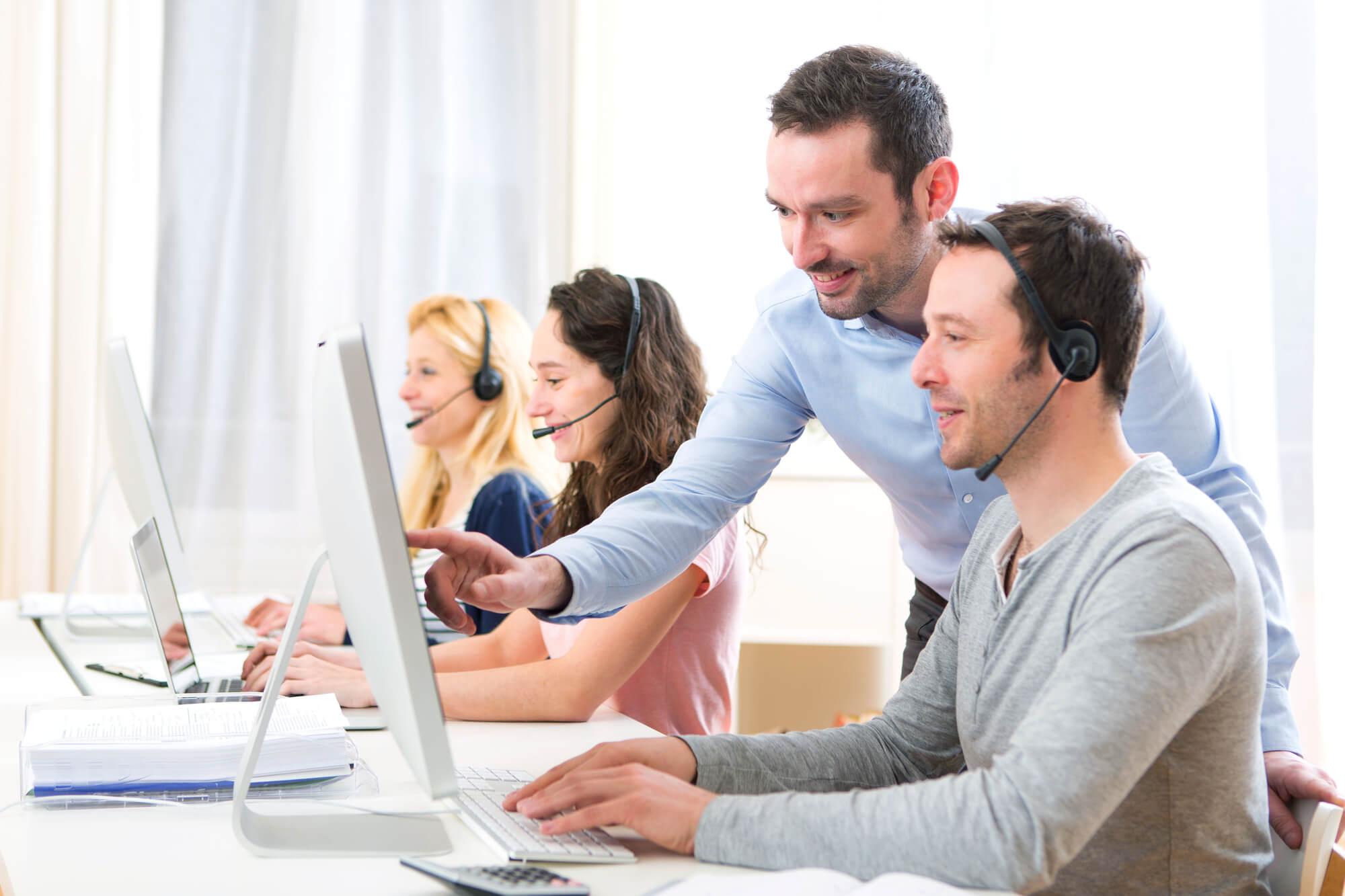 Call center na nuvem: descubra como administrar sua equipe